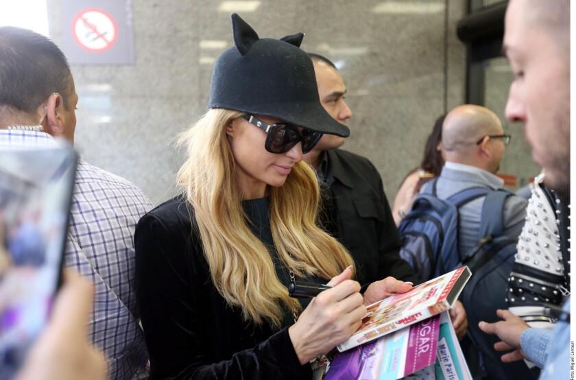 Complace Paris Hilton a los mexicanos