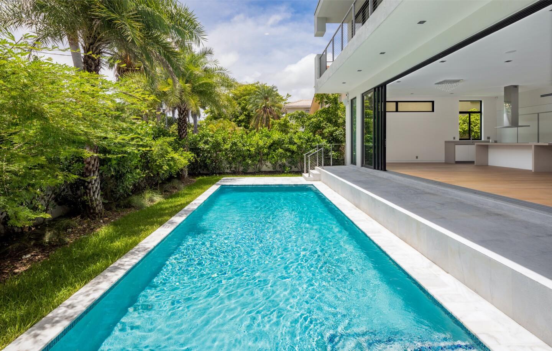 Nicky Jam's Miami Beach home