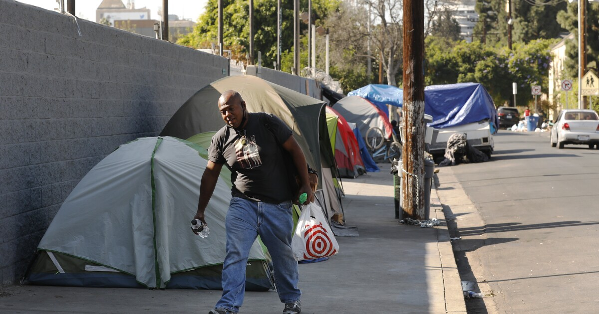 Despite appearances, 12% fewer homeless people were on Hollywood streets this year