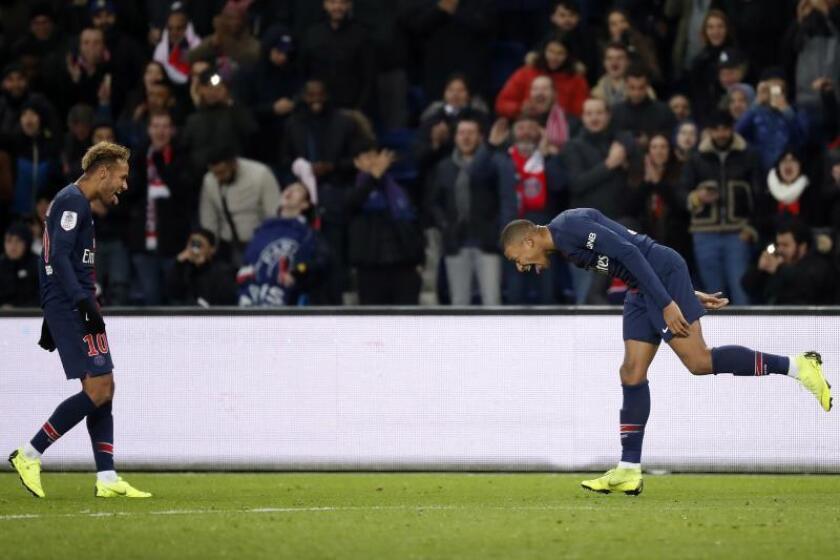 El brasileño Neymar y el francés Kylian Mbappé (d) EFE/EPA/Archivo