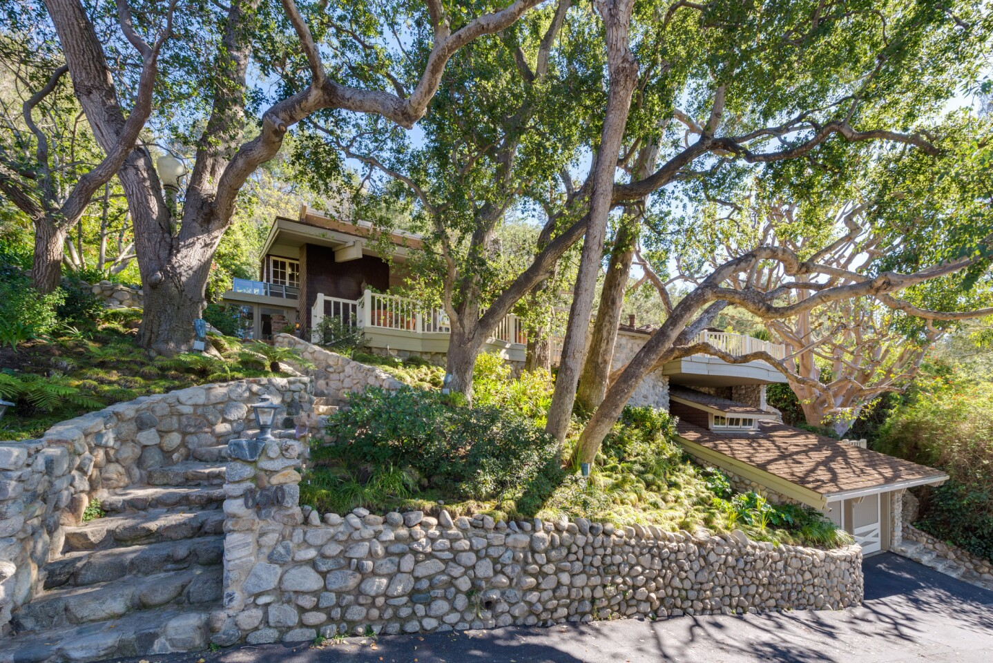 Home of the Day: Romantic retreat in Rustic Canyon
