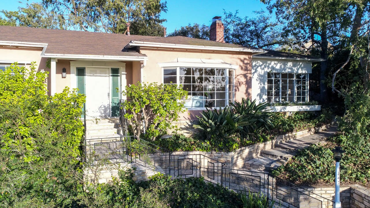 Joseph Gordon-Levitt's Franklin Hills home | Hot Property