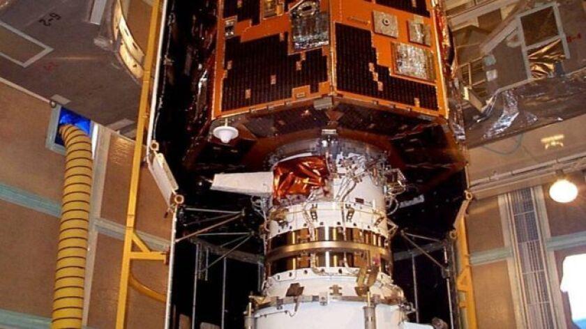 Astrónomo aficionado que vive en British Columbia, Canadá, Tilley se había propuesto dar con el satélite que según el Pentágono no logró entrar en órbita y había desaparecido poco después de su lanzamiento.