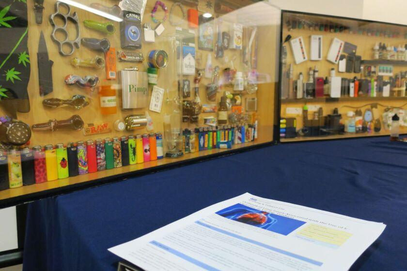 Drug paraphernalia display case