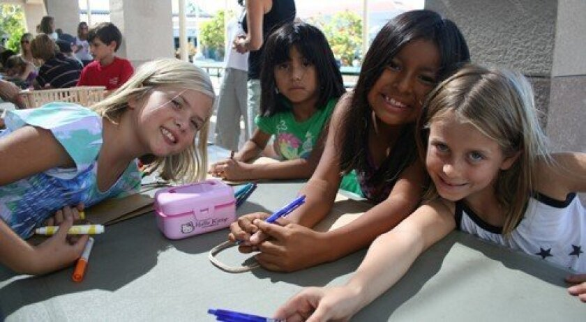 Alex, Hanna, Alexandra and Abby (Photo: Karen Billing)