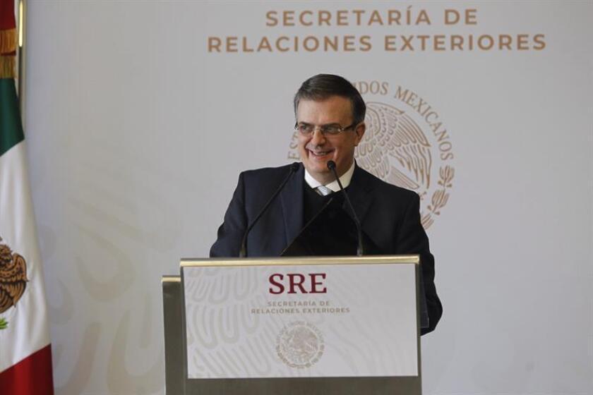 El canciller de México, Marcelo Ebrard, ofrece una rueda de prensa hoy, en la Secretaria de Relaciones Exteriores (SRE), en Ciudad de México (México). EFE