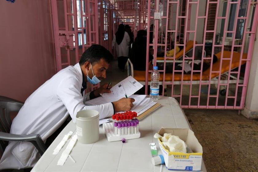En lo que va de año se han detectado en Yemen casi 120.000 casos sospechosos de cólera, advirtió hoy la ONU, que teme un resurgimiento de la epidemia en el país tras el gran brote del pasado año. EFE/Archivo