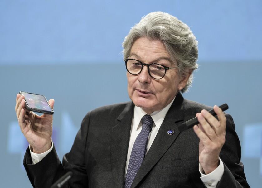 El comisionado de mercados internos de la Unión Europea Thierry Breton en conferencia de prensa en Bruselas el 23 de septiembre del 2021. (Foto AP/Thierry Monasse)