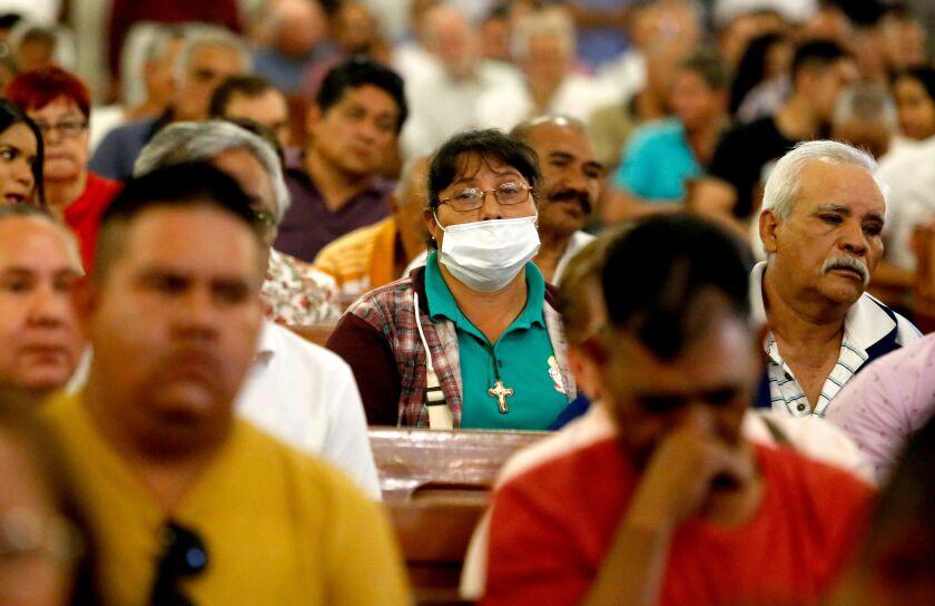 Mass during coronavirus outbreak in Mexico
