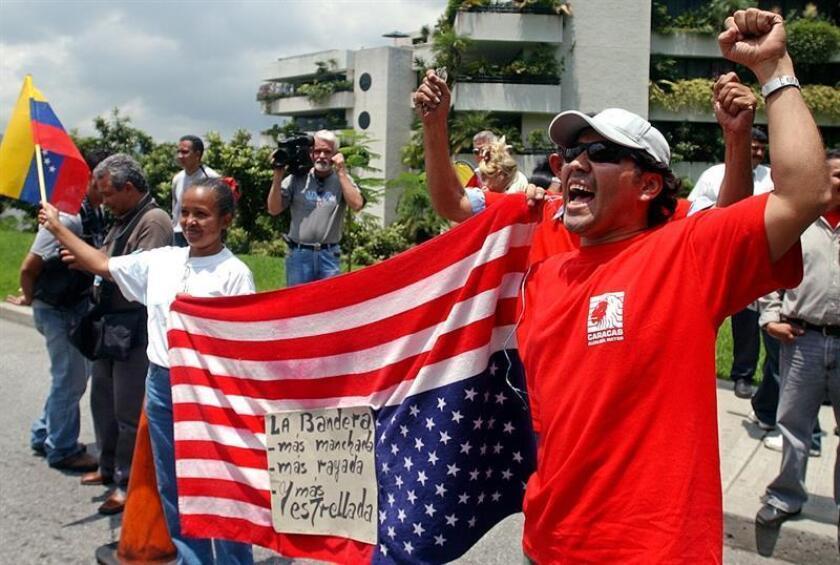 Las peticiones de asilo en EE.UU. de venezolanos que huyen de la crisis aumentaron significativamente al pasar de 7.226 en 2015 a 11.928 en los primeros nueve meses del presente año, según divulgó hoy Venezuela Awareness. EFE/ARCHIVO
