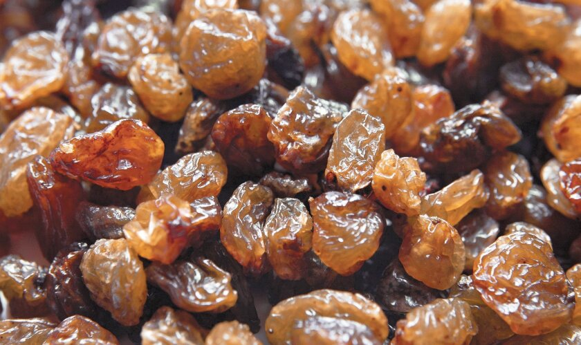 Raisins add sweetness to barbecue sauce that won blue ribbon at fair.