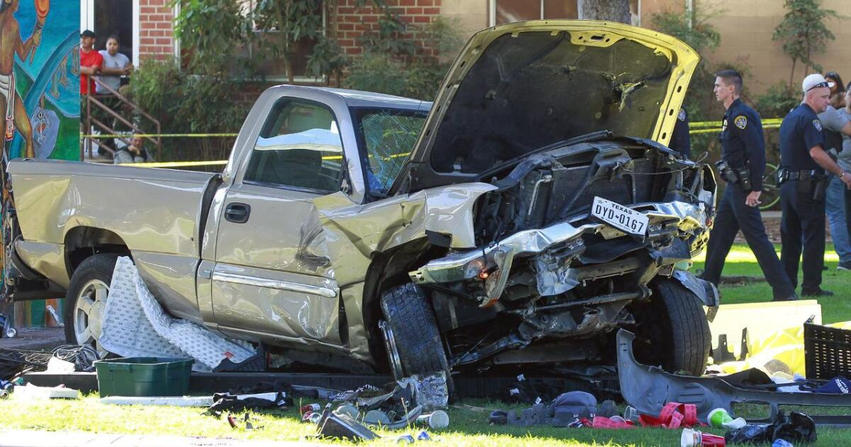 4 dead as pickup plunges off Coronado bridge, lands in