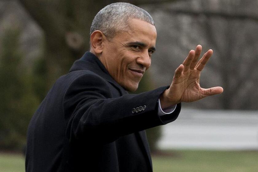 """El presidente, Barack Obama, reconoció hoy que, pese al carácter histórico que representó su elección como primer mandatario afroamericano, el racismo sigue vivo en el país y queda """"más trabajo por hacer"""" para eliminar los prejuicios contra las minorías y los inmigrantes. EFE"""