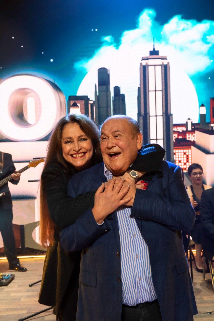 Leo Dan junto a Daniela Romo.
