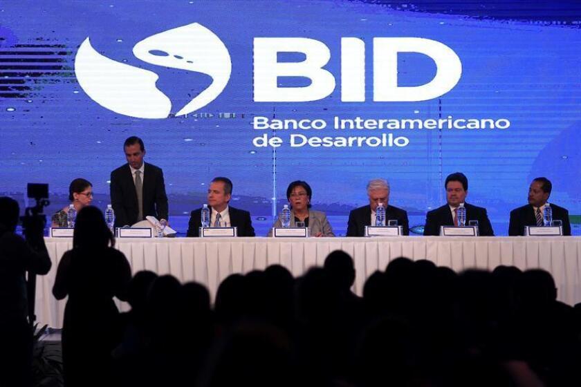 Vista general el jueves 21 de febrero de 2019 de la inauguración del Congreso de Innovación Tecnológica para los Servicios Financieros, auspiciado por el Banco Interamericano de Desarrollo (BID), en Tegucigalpa (Honduras). EFE/Archivo