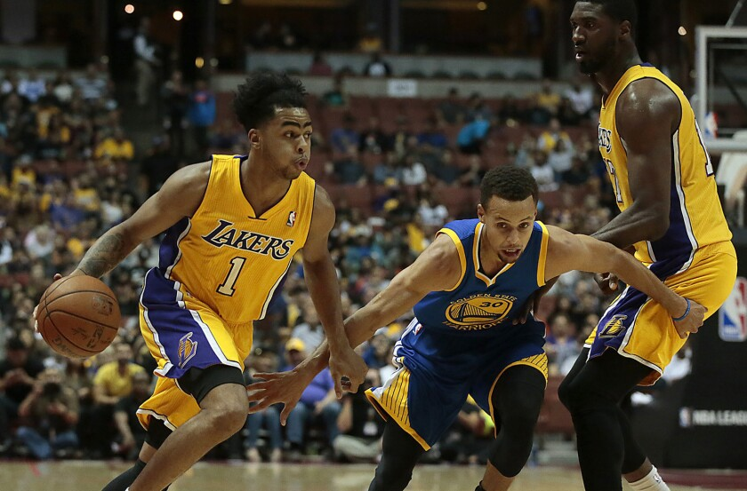 Lakers hope to spoil Golden State Warriors' quest for NBA's best start ever