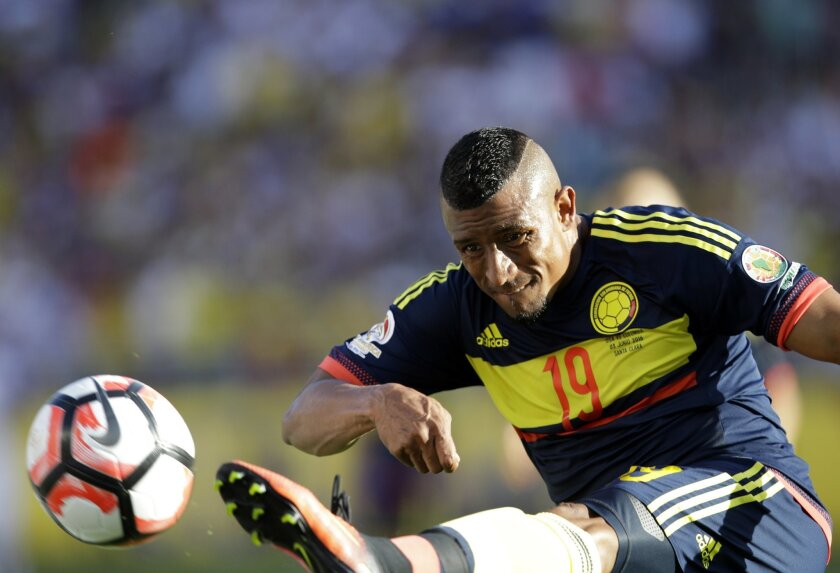 Colombia's Farid Diaz kicks the ball during a Copa America Centenario Group A soccer match against the U.S. at Levi's Stadium in Santa Clara, Calif., Friday, June 3, 2016.(AP Photo/Marcio Jose Sanchez)