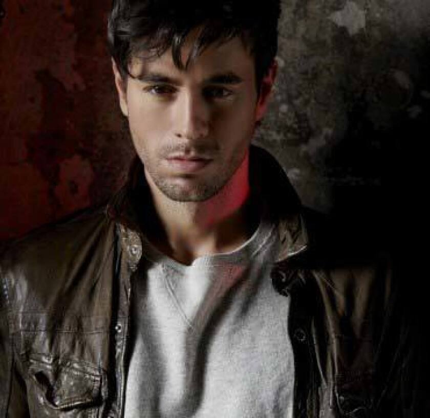 Enrique-Iglesias-Photo-11-1024x997-e1406575597336