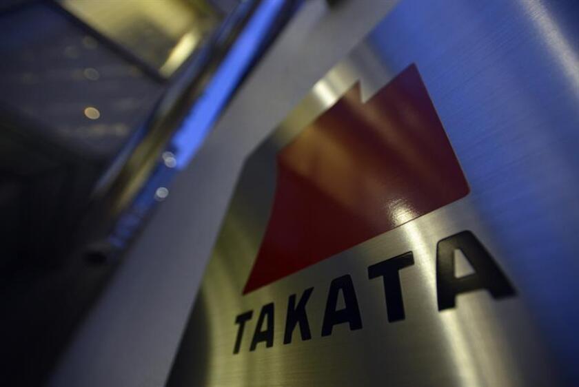 Takata, el fabricante japonés de equipo para automóviles, llegó hoy un acuerdo con 44 estados del país, más el distrito de Columbia, por el que acepta pagar 650 millones de dólares por el defecto de sus sistemas de airbag. EFE/EPA/Archivo