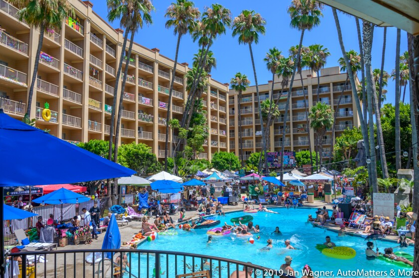 01827-20190810 Tiki Oasis Car Show + poolside including vendors-Crowne Plaza Hotel-Mission Valley-San Diego-28-300mm-Z6
