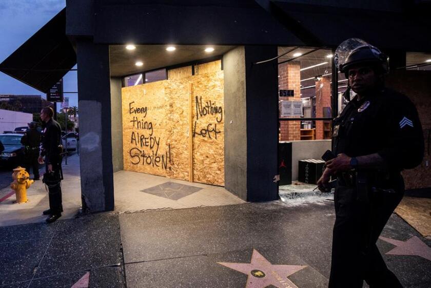 Hollywood amaneció tomada por la Guardia Nacional en el tercer día de toque de queda.