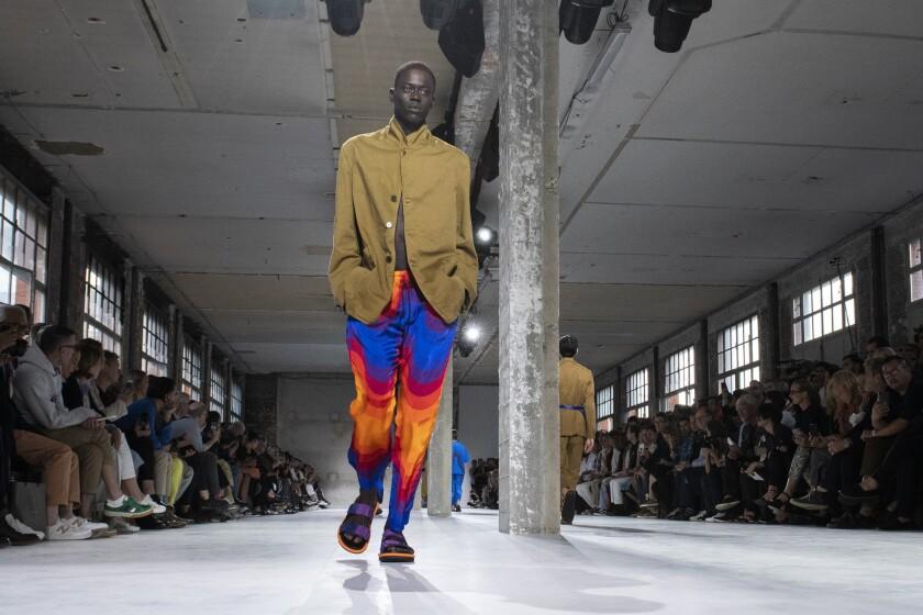 Dries Van Noten: Runway - Paris Fashion Week - Menswear Spring/Summer 2019