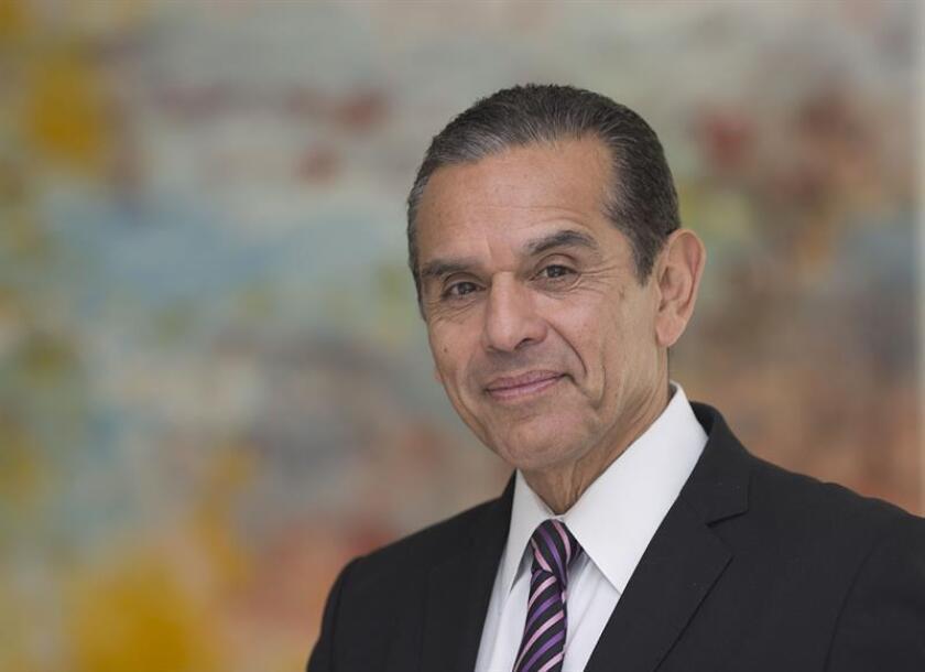 Tras perder en las primarias para la Gobernación de California en junio pasado, el exalcalde de Los Ángeles Antonio Villaraigosa volvió a sus ocupaciones como asesor de negocios y trabajará en una empresa del mercado de la marihuana. EFE/Archivo