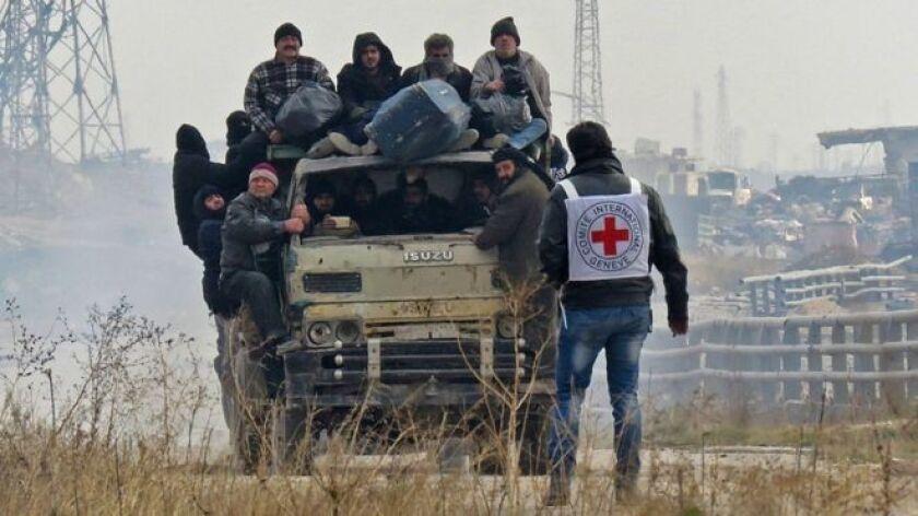 Los países miembros del Consejo de Seguridad de la ONU acordaron este domingo una propuesta de resolución que será votada este lunes y que, de ser aprobada, permitirá a observadores de ese organismo supervisar la evacuación de civiles y rebeldes de la zona oriental de Alepo.
