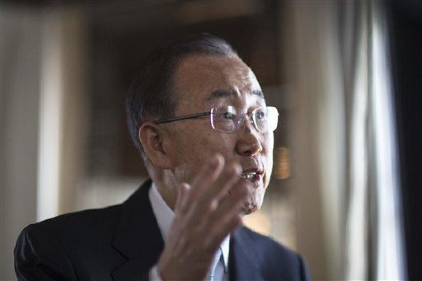 """El secretario general de la ONU, Ban Ki-moon, felicitó a Colombia por el acuerdo firmado hoy entre el Gobierno y las FARC para terminar el conflicto armado y animó a los ciudadanos de ese país a """"hacer avanzar juntos el proceso de paz""""."""