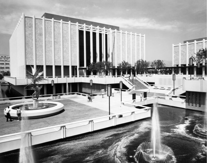 LACMA's original entry plaza