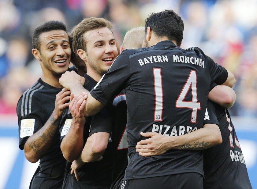 Jugadores del Bayern Munich celebran.