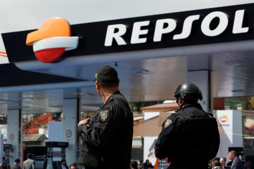 La multinacional española Repsol anunció hoy que cuenta ya con más 30 estaciones de servicio en operación en México que sirven en total a 25.000 clientes diarios, y prevé expandirse a nuevos estados en las próximas semanas. EFE/Archivo