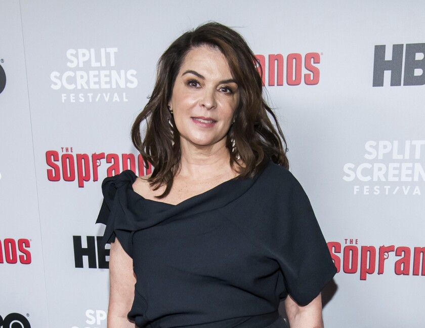 Actress Annabella Sciorra confronts Weinstein from the witness stand