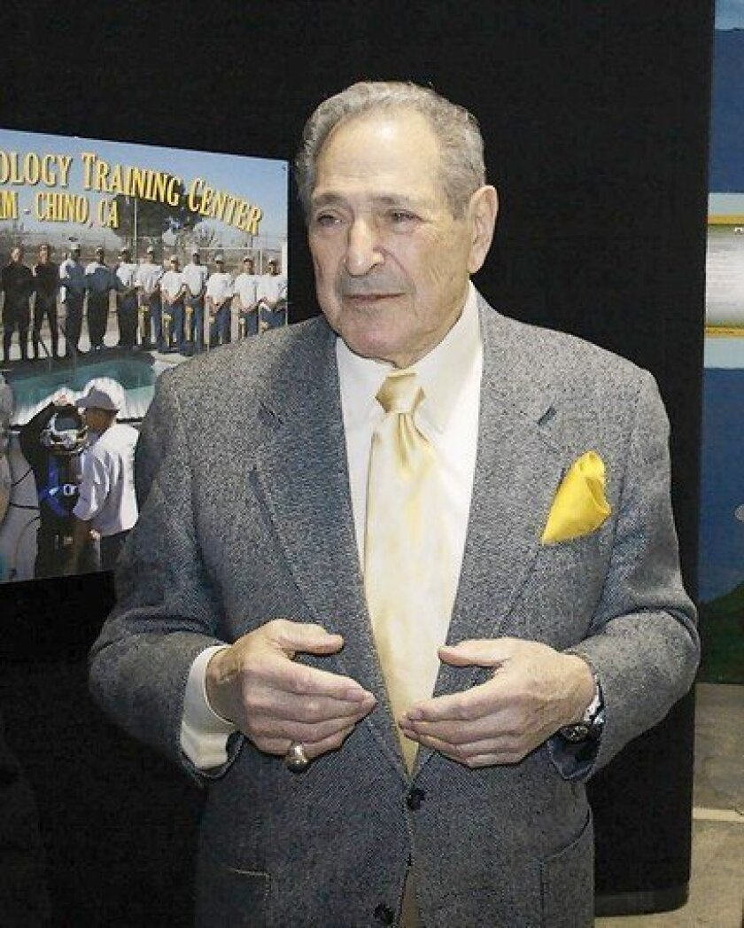 Leonard Greenstone dies at 88; businessman created training programs for inmates