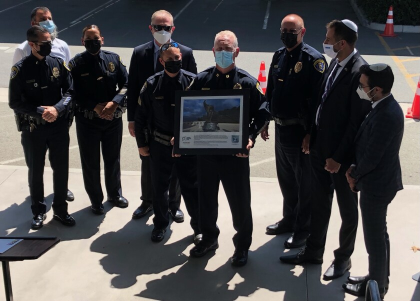 Chabad Hebrew Academy honored San Diego police during a ceremony commemorating the 20th anniversary of 9/11.