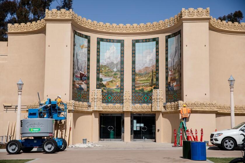 Exterior del Museo del Automóvil de San Diego.
