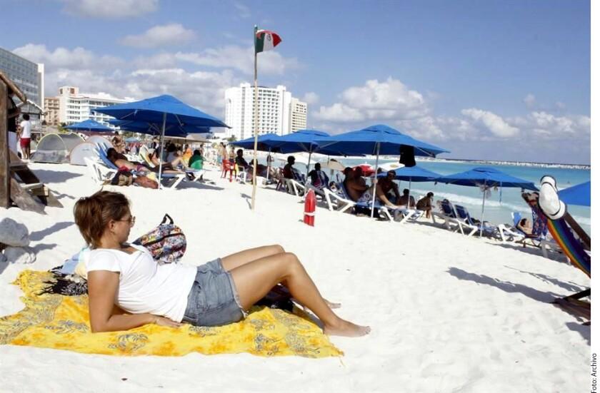 México no puede depender del turismo estadounidense, afirmó el Secretario de Turismo, Enrique de la Madrid, en reunión con embajadores y cónsules.