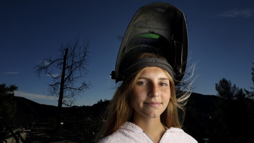 BELL CANYON, CA December 26, 2018: Portrait of artist Jessica Bierschenk, 17, of Pacific palisade