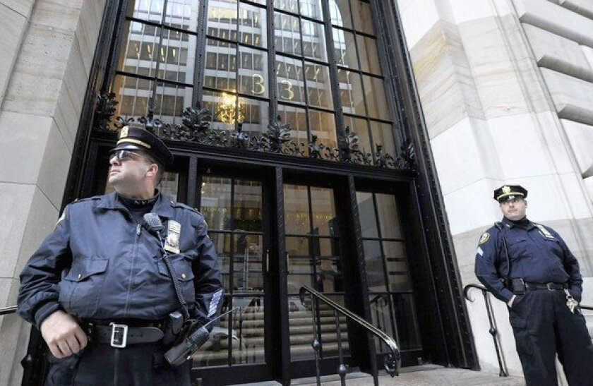 Man arrested in alleged plot to bomb N.Y. Federal Reserve Bank