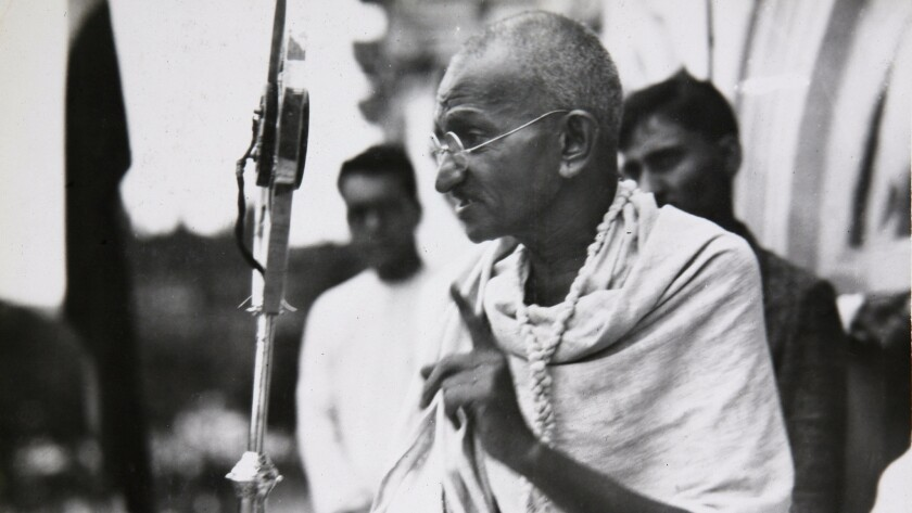 Indian independence leader Mohandas K. Gandhi addresses a crowd in 1931.
