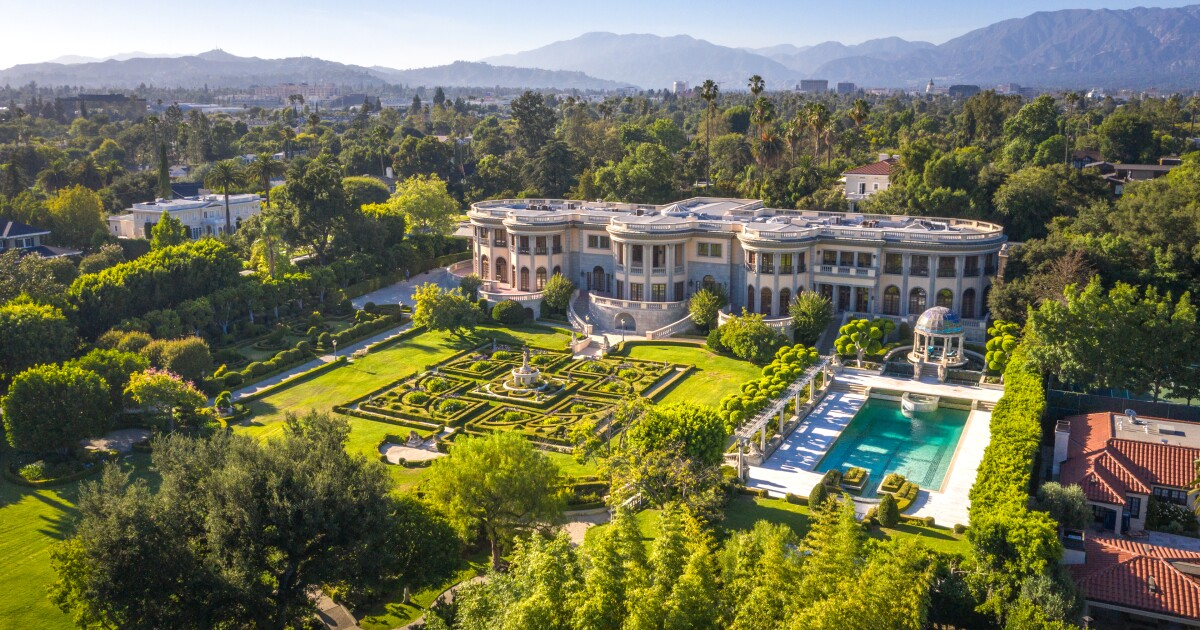 Neoclassical megamansion in Pasadena | Hot Property