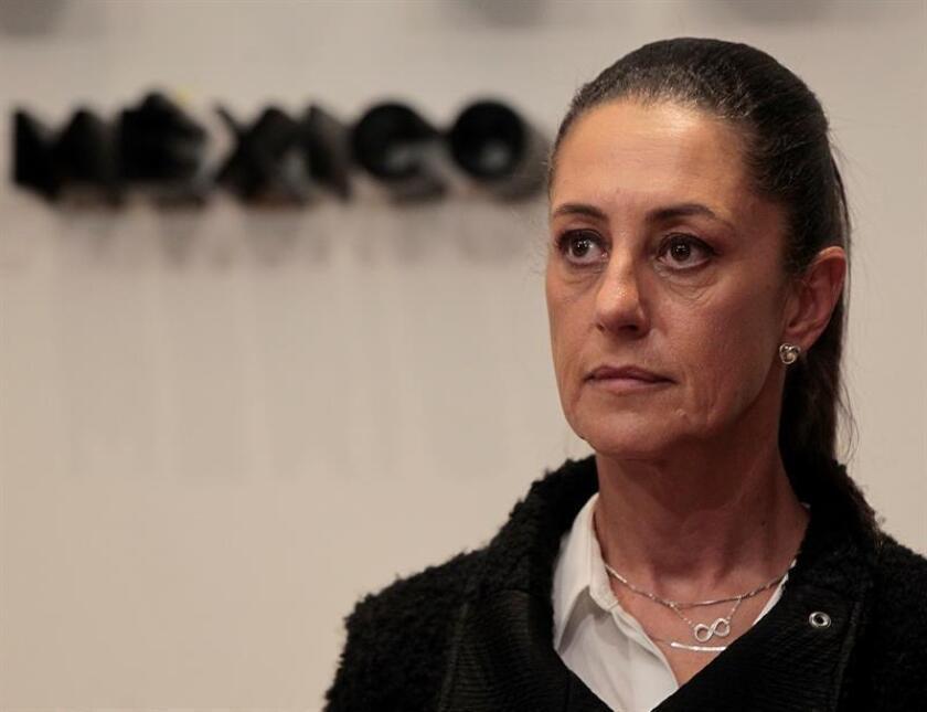 La académica y activista Claudia Sheinbaum asumió hoy el poder como jefa de Gobierno de Ciudad de México ante el Congreso capitalino, convirtiéndose en la primera mujer en asumir el cargo gracias al voto popular. EFE/Archivo