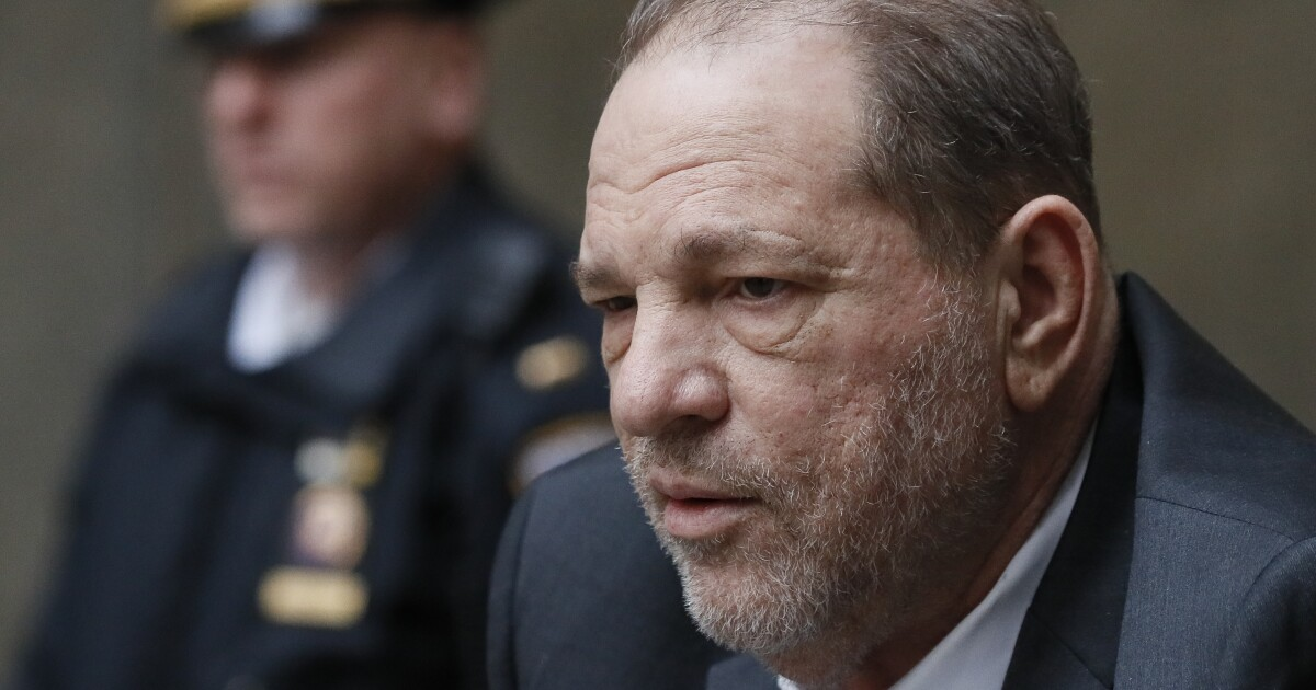 ?url=https%3A%2F%2Fcalifornia times brightspot.s3.amazonaws.com%2Fe9%2F0e%2F393c46ae40dd864e51ee52c6597b%2Fapphoto sexual misconduct weinstein - Harvey Weinstein's fate heads to jurors. Who will they believe?
