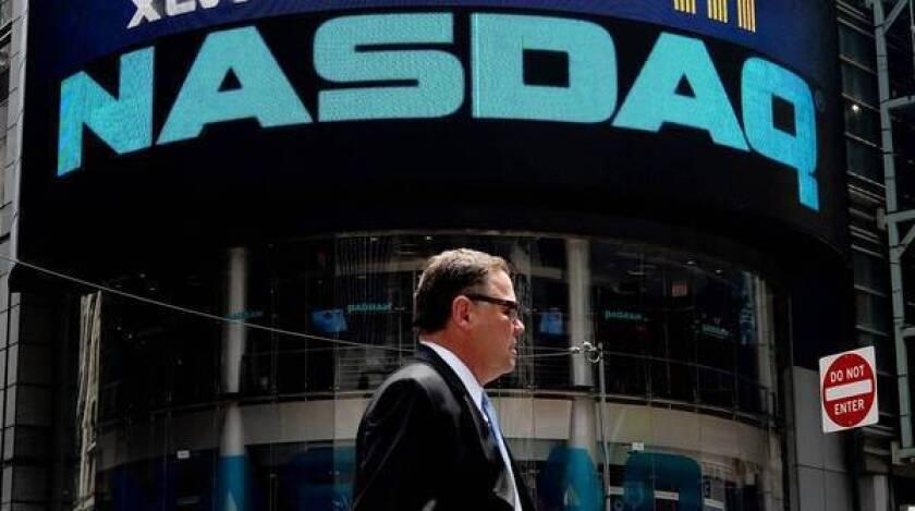 Glitch shuts down trades on Nasdaq for 3 hours