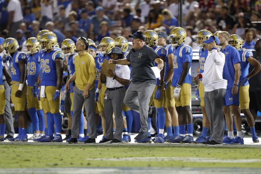 UCLA coach Chip Kelly reacts to a play during the second half of Saturday's loss to Oklahoma at the Rose Bowl.