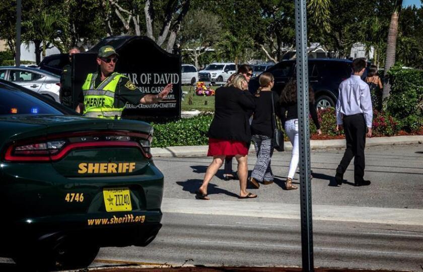Arrestan a alumna de 15 años por falsa amenaza de bomba en colegio de Florida