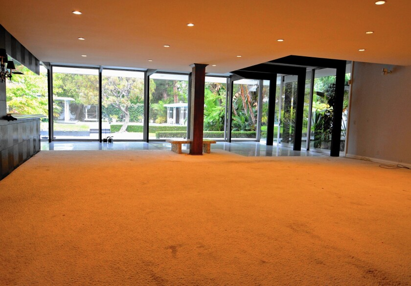 BEFORE: Without furniture in a space, it can be difficult for prospective buyers to imagine themselves living there.