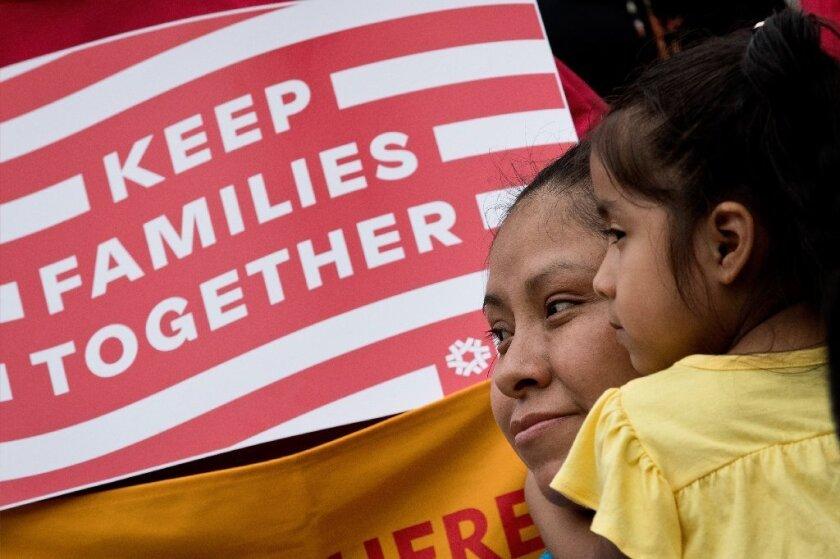 Otro reporte en Florida despunta que los inmigrantes latinos generan más de 11 mil millones de impuestos.