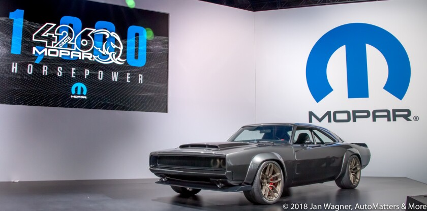 01733-20181029-1101 SEMA Show-Kia+Toyota+Ford+Shell+Honda+FCA Mopar+night skyline+NHRA Breakfast+Acura NSX cutaway+Ford Out Front+Optima-D5