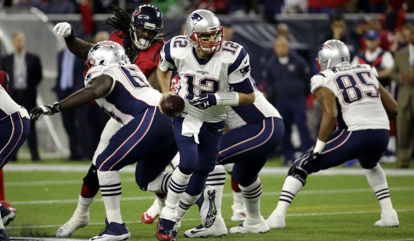 Tom Brady (12) and the Patriots can clinch home-field advantage during the AFC playoffs with a win this weekend.